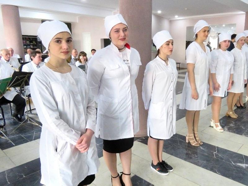Волгодонский медицинский колледж отметил 40-летие