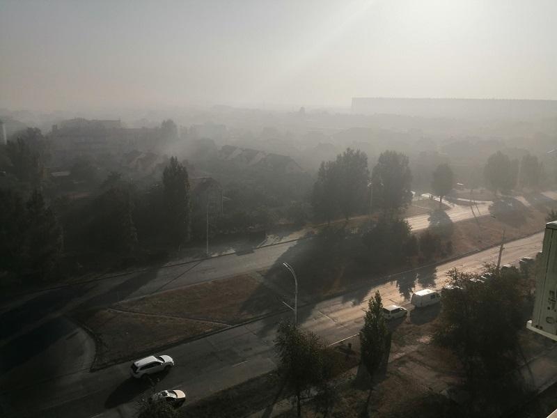 «Горит свалка, спите спокойно»: появились жуткие кадры окутанного дымом от горящей свалки Волгодонска