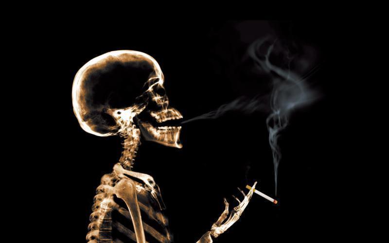 В Волгодонске достать сигареты станет сложнее, а покурить - практически негде