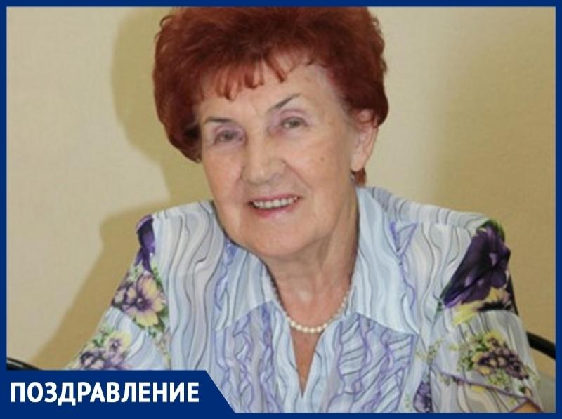 Легендарный политик Волгодонска Екатерина Хижнякова отмечает 90 лет