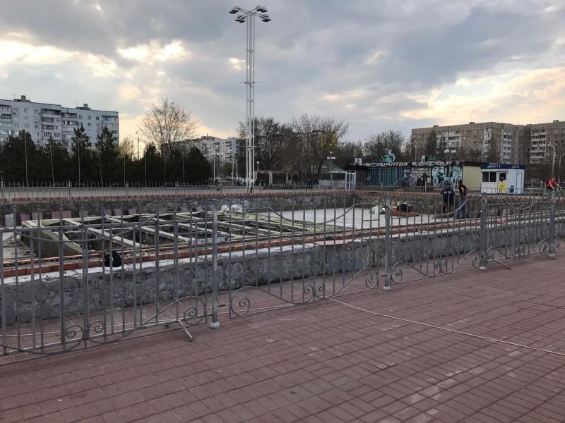 В Волгодонске приступили к реконструкции фонтана на площади Курчатова