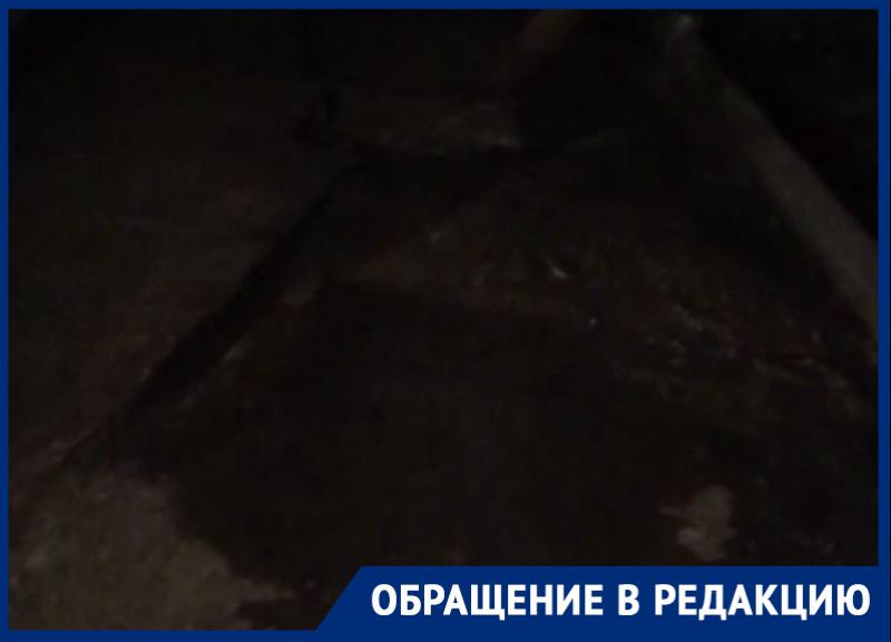 Волгодонцы показали последствия замены труб в подвале на Степной