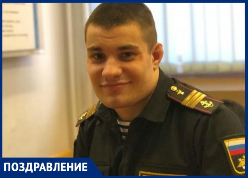 Профессиональный боец смешанных единоборств Антон Половинкин отмечает день рождения