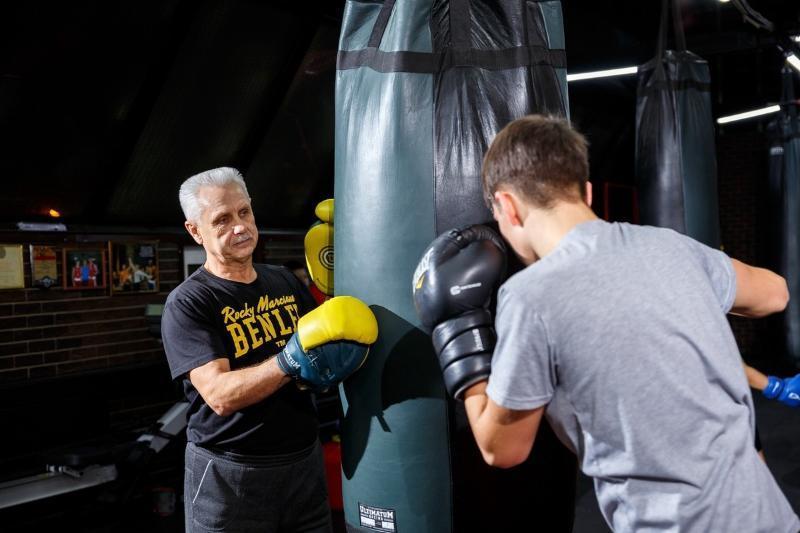 «Пускай не все станут чемпионами, главное - чтобы стали людьми»: тренер чемпионов Николай Тимофеев