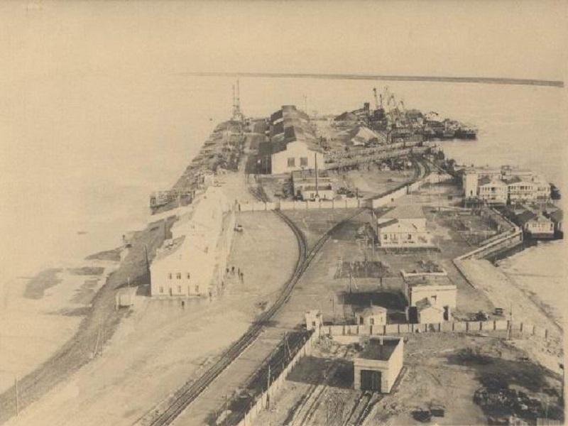 Календарь Волгодонска: от причала порта отошло первое судно