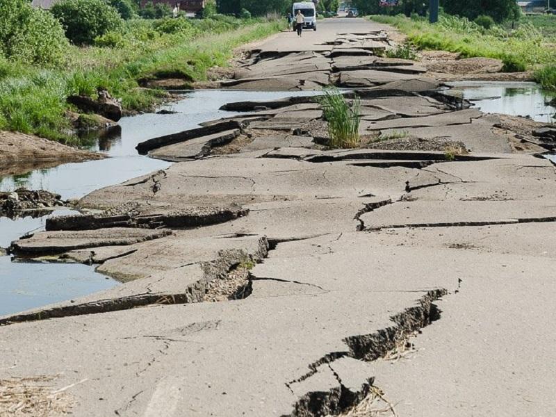 Волгоградскую трассу с ямами под Цимлянском приведут в порядок