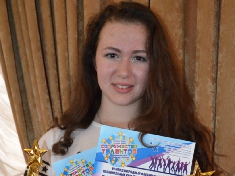 Юная вокалистка из Волгодонска покорила жюри международного фестиваля патриотической песней