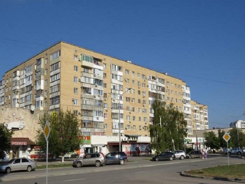 В Волгодонске эвакуировали людей из горящей квартиры на В-8