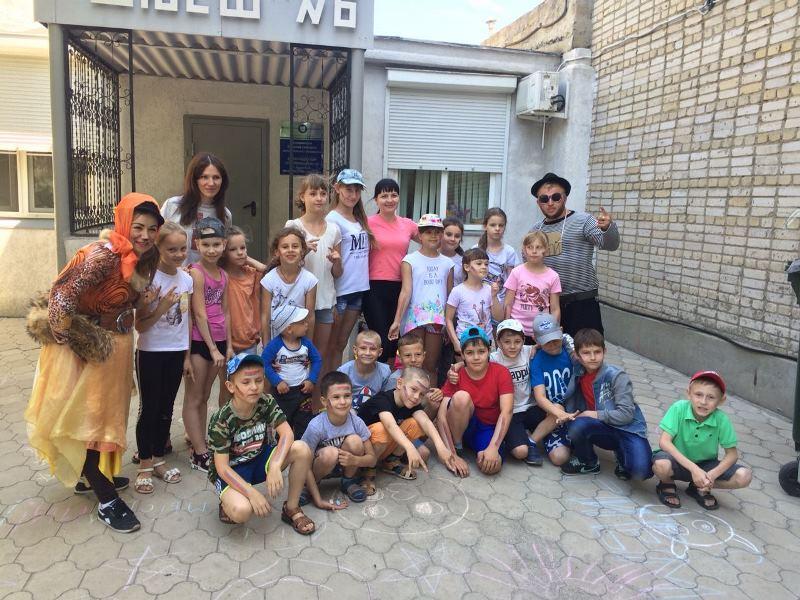 Праздник мыльных пузырей с лисой Алисой и котом Базилио состоялся в Волгодонске