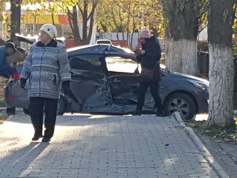 Родственники водителя «Хендай», пострадавшей в ДТП на «Ромашке», разыскивают свидетелей