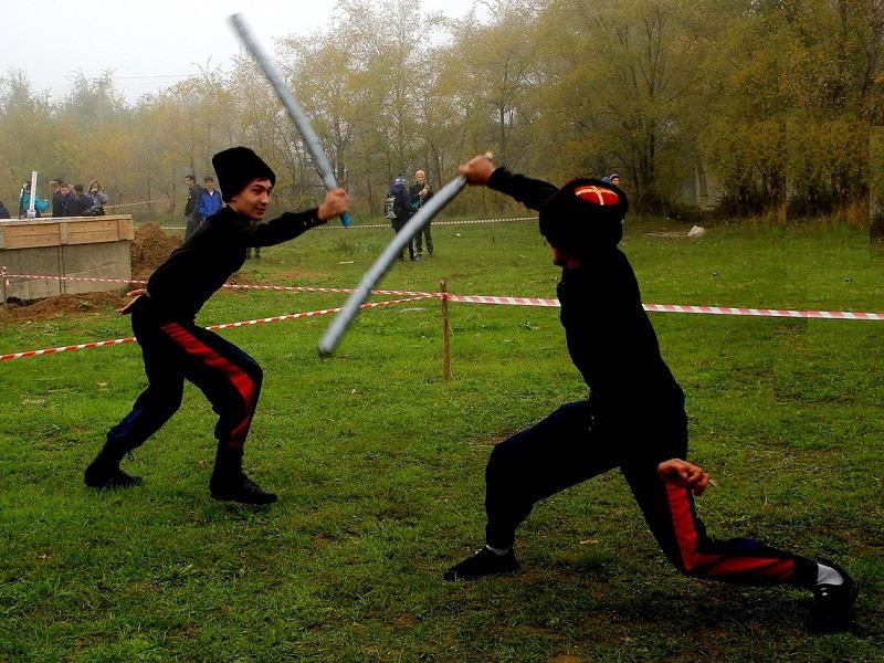 Масштабные казачьи игры-шермиции с молебном и кулачной битвой прошли в Потапове