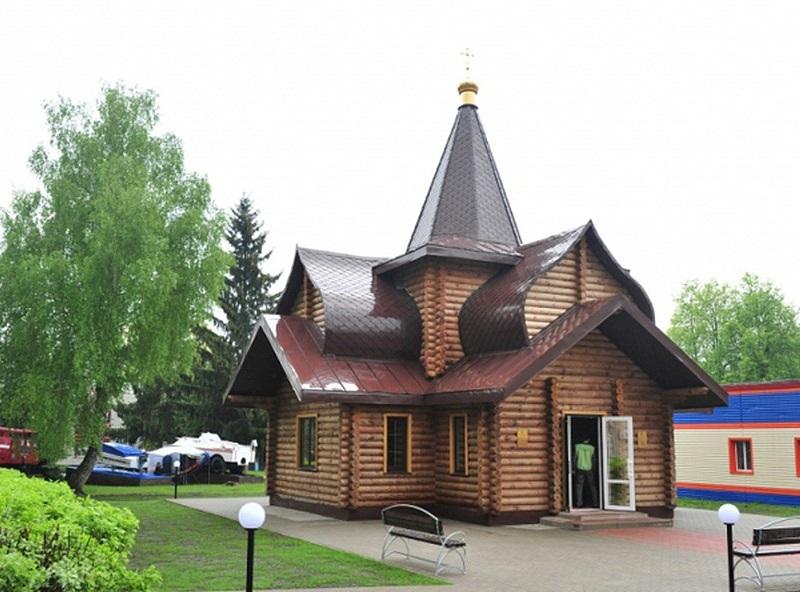 В Волгодонске сделали иконостас для храма пожарных и спасателей