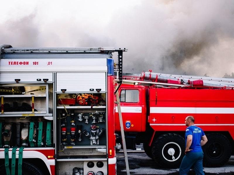 На В-9 сгорел заброшенный ларек