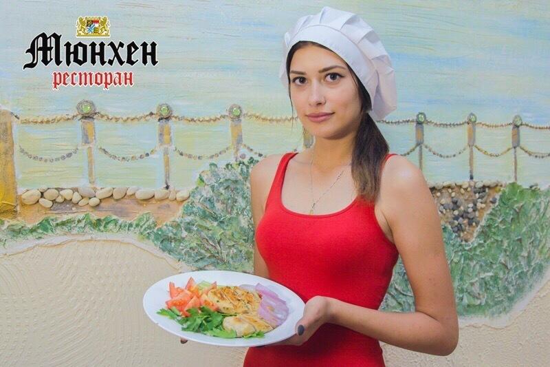 Простое блюдо «по-летнему» приготовила участница «Мисс Блокнот-2018» Маргарита Хрущова