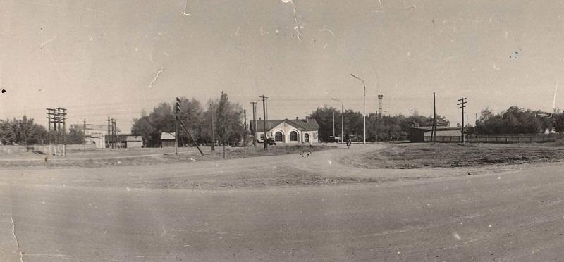 Волгодонск прежде и теперь: старый железнодорожный вокзал
