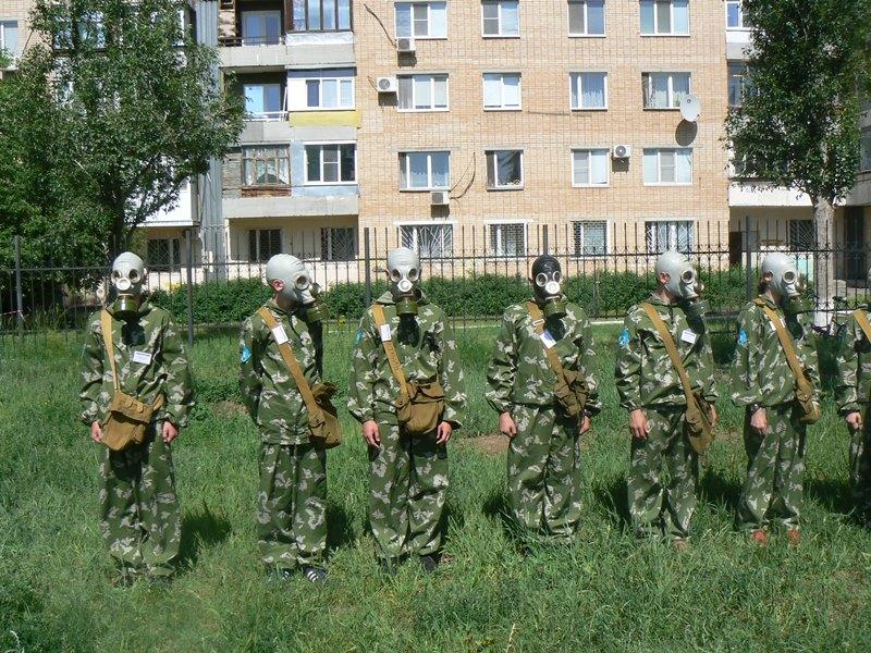 Свыше сотни волгодонских школьников приняли участие в военно-спортивной игре «Зарница»