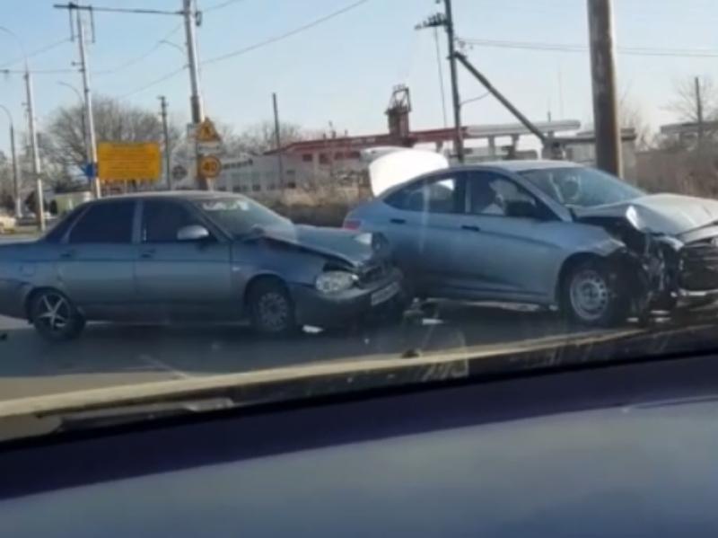 «Приора» и «Солярис» попали в ДТП на Жуковском шоссе