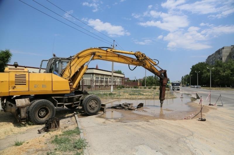 За один день в Волгодонске произошло десять порывов на сетях водоснабжения