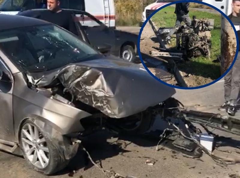 У «Фольксвагена» вырвало двигатель после удара о столб на Жуковском шоссе