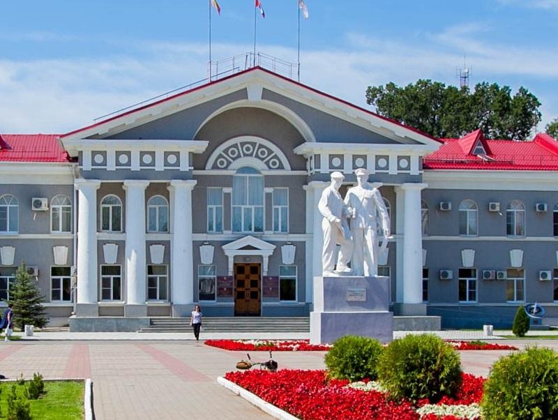 Волгодонская Дума купит каждому депутату по мусорному контейнеру
