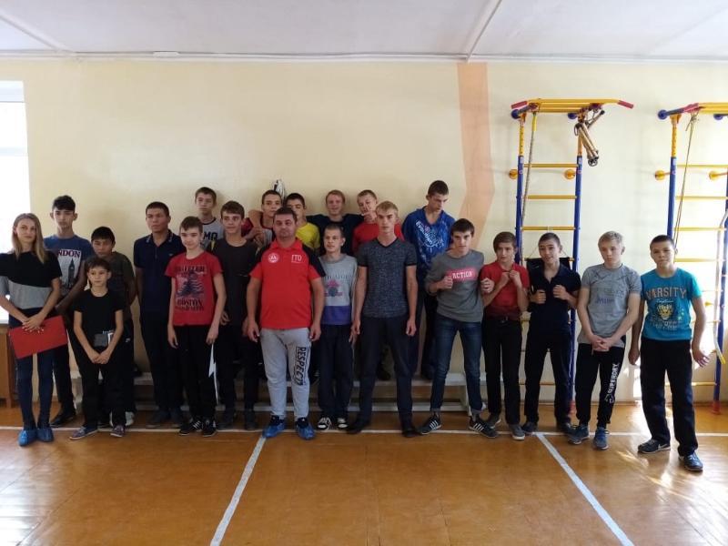Воспитанники волгодонской школы-интерната приняли участие в сдаче норм ГТО