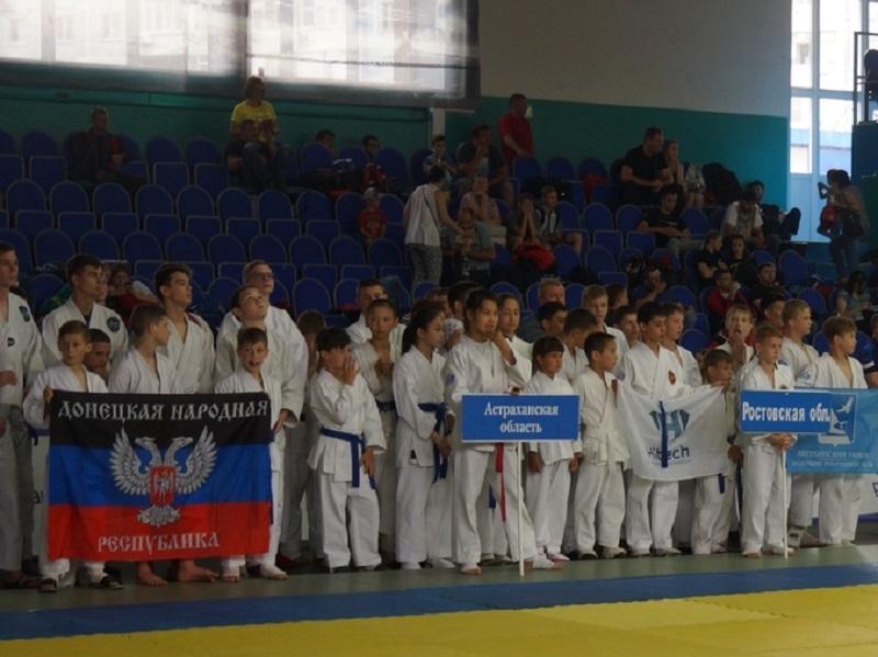 Юные рукопашники из ДНР приехали на всероссийские соревнования в Волгодонск