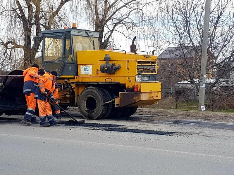 В Волгодонске продолжается ремонт автомобильных дорог