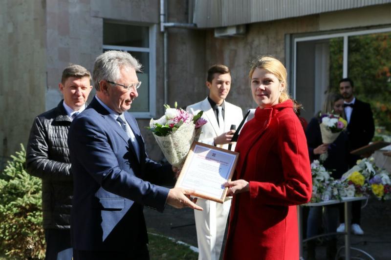 Благодарственные письма и приветственные адреса получили врачи Волгодонска