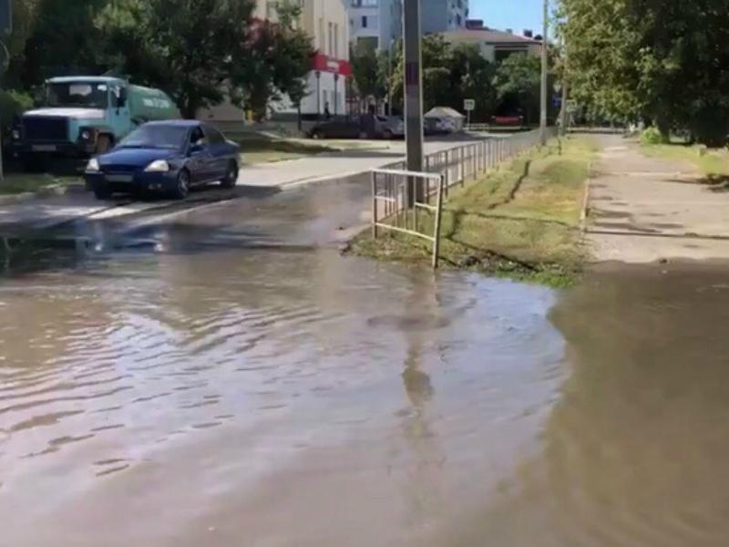 Третьи сутки топит улицу Пионерскую в Волгодонске