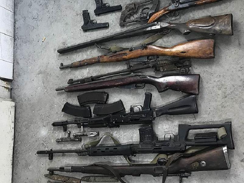 «Черные копатели» из Волгодонска принесли домой целый арсенал советского и немецкого оружия