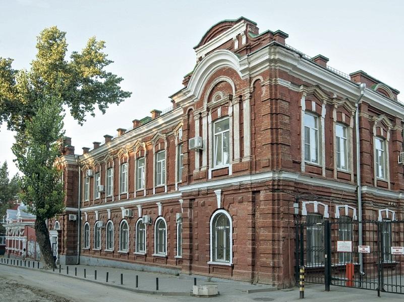 Ростовский медуниверситет позвал волгодонцев на учебу
