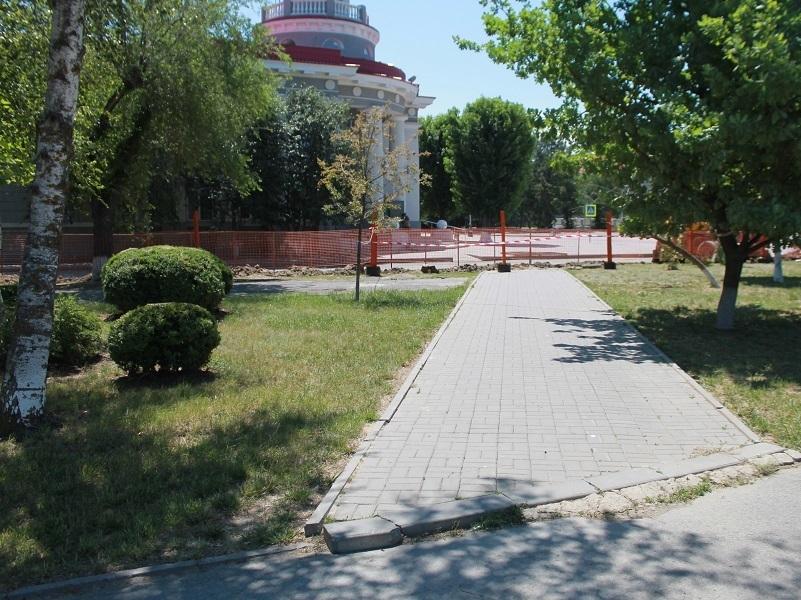 Часть администрации Волгодонска оставили без холодной воды