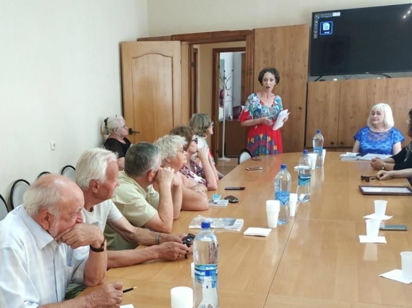 В центре общественных организаций Волгодонска презентовали книгу Зои Самарской «Возвращение в неизвестность»