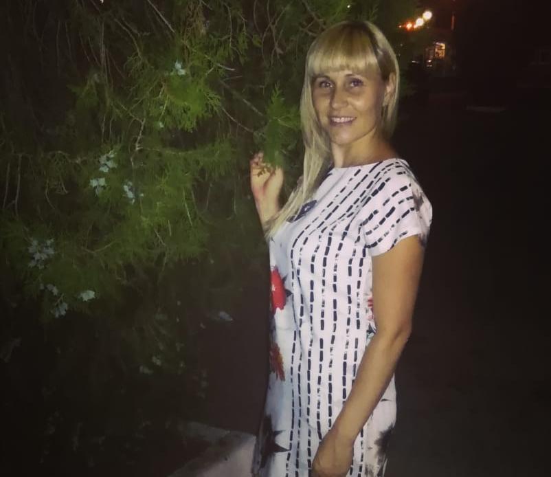 33-летняя Анна Карлюк хочет принять участие в конкурсе «Миссис Блокнот»