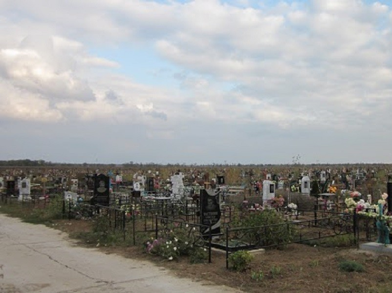 К Пасхе на городских кладбищах наведут порядок и проведут противоклещевую обработку