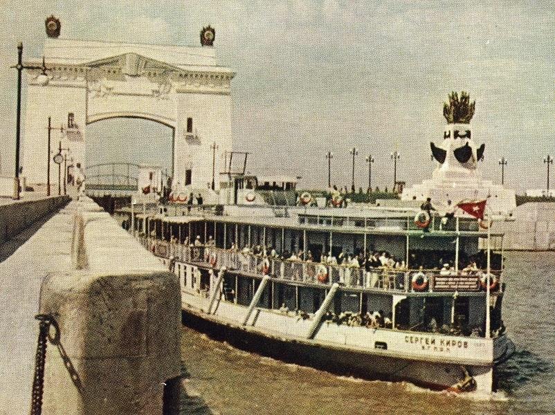 Календарь Волгодонска: на судоходном канале официально началась пассажирская навигация