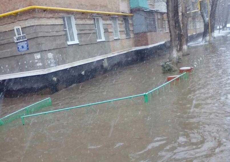Автомобилисты Волгодонска подсчитывают ущерб от субботнего потопа