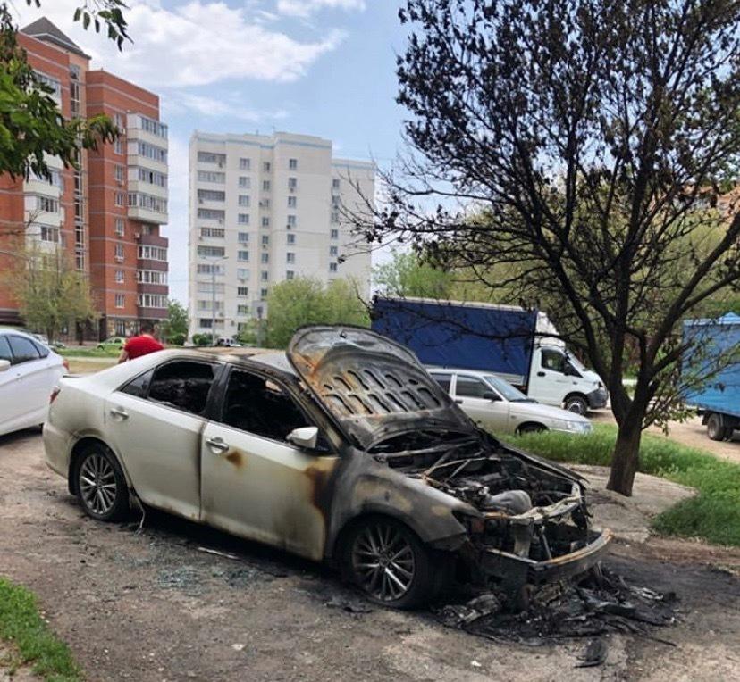 В Волгодонске на Западном сгорела «Тойота»