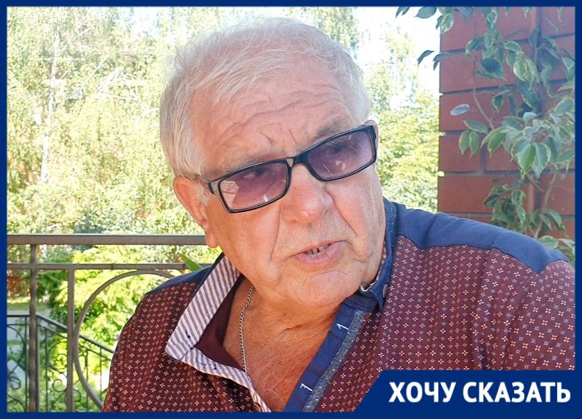 Мухи, крысы и зловоние от свинофермы довели пенсионера из Волгодонска до отчаяния