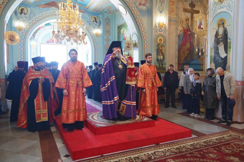 Благодатный огонь прибыл изИерусалима вХабаровск