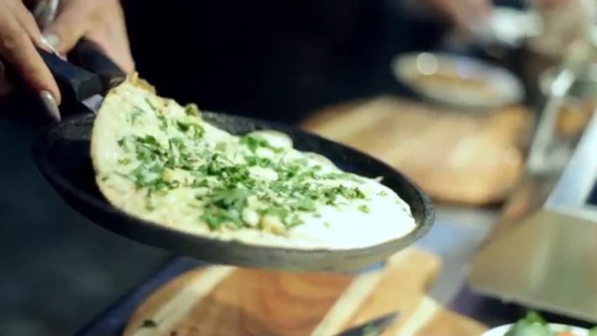 Рецепт салата с креветками и ананасами