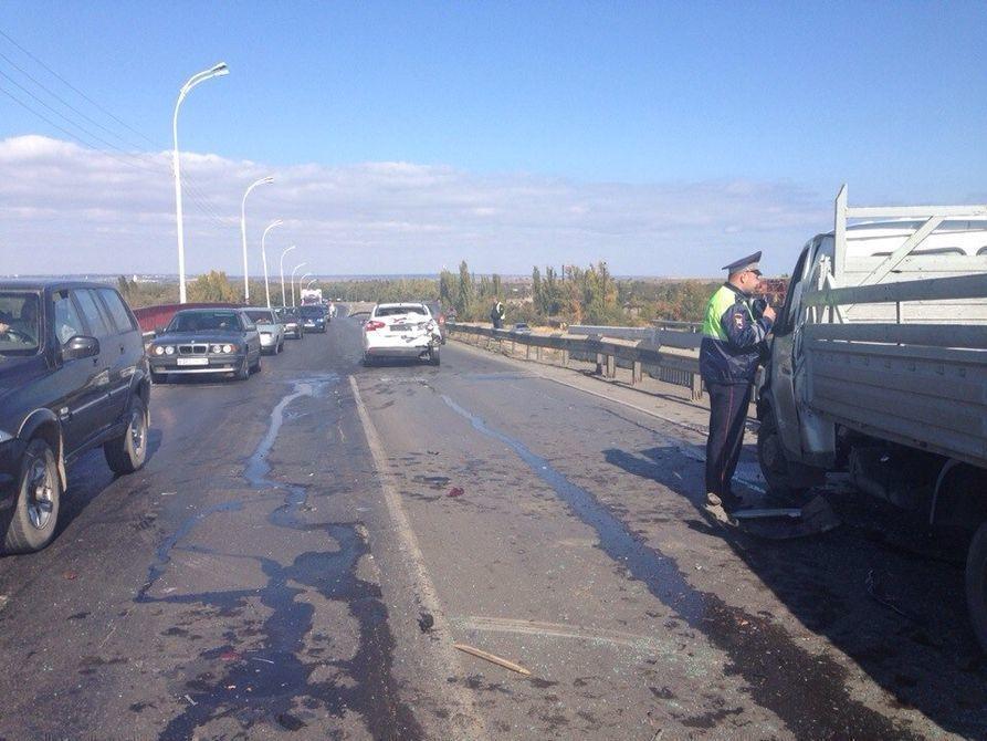 Сотни волгодонцев застряли в глухой пробке на трассе Волгодонск - Цимлянск