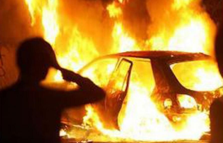 Из-за неисправной проводки в Лагутниках сгорел джип стоимостью несколько миллионов рублей