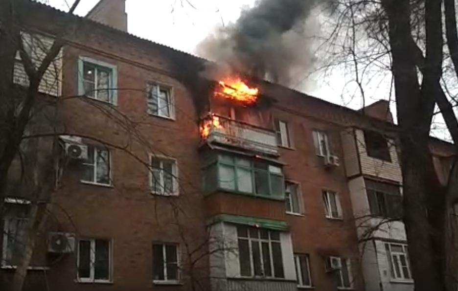 Пожар в жилом доме на Ленина в Волгодонске попал на видео