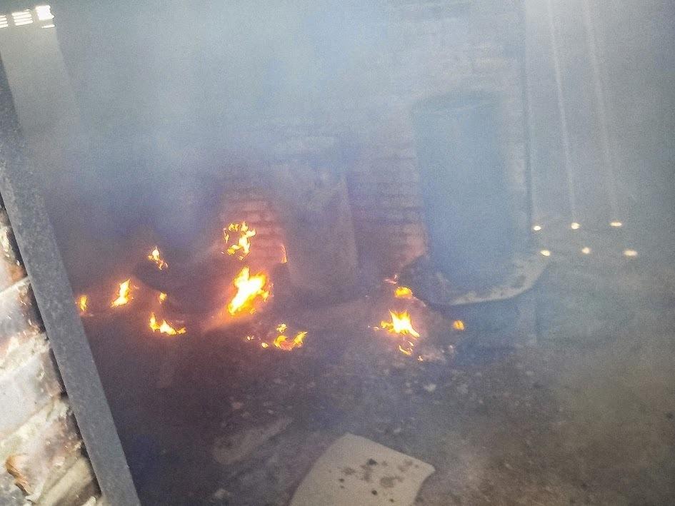 В Волгодонске произошел пожар в здании бывшего хлебокомбината