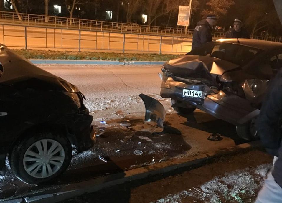 Пьяный «пожарный из Ростова» на скорости врезался в припаркованную машину в центре Волгодонска