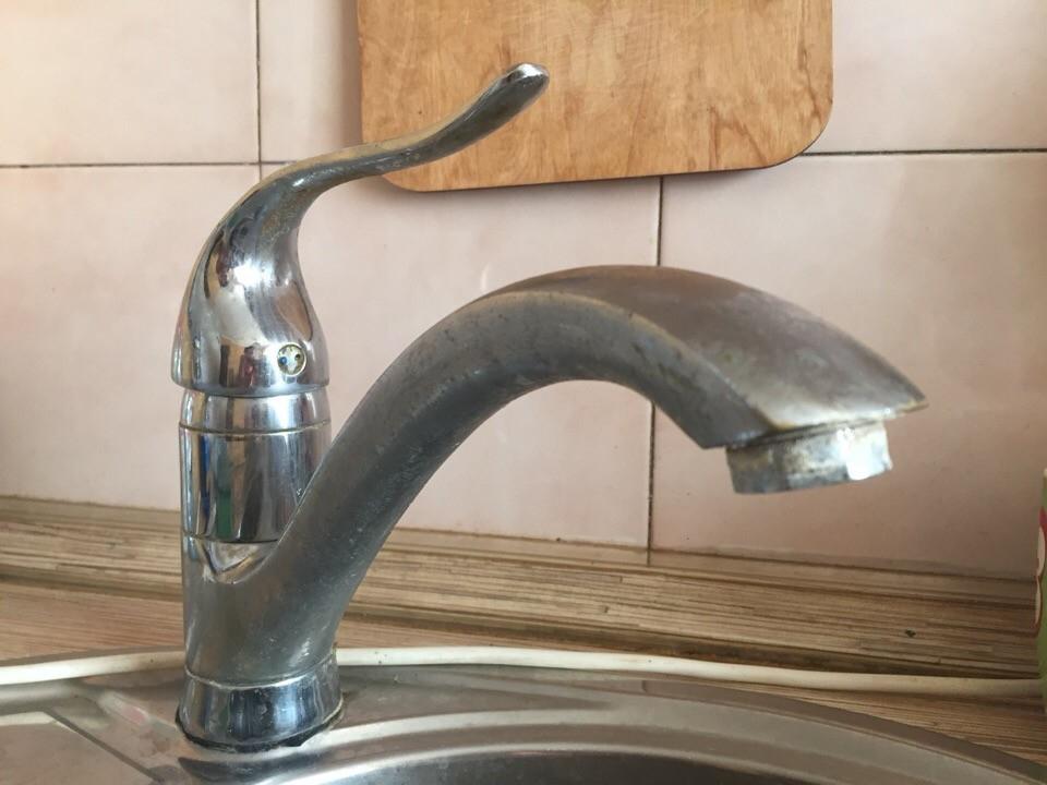 В администрации Волгодонска взяли на контроль подачу воды на верхние этажи домов