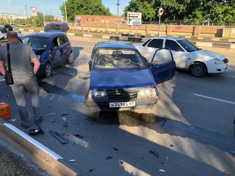 Серьезная авария случилась на съезде с моста в «старый город»