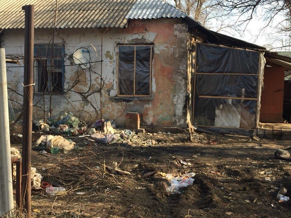 В Волгодонске малышку из полусгоревшего дома на Морской забрали в «Аистенок».ВИДЕО