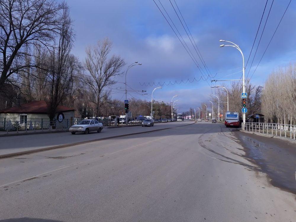 10-летнего ребенка на «зебре» сбил ехавший на «красный» водитель ВАЗа в Волгодонске